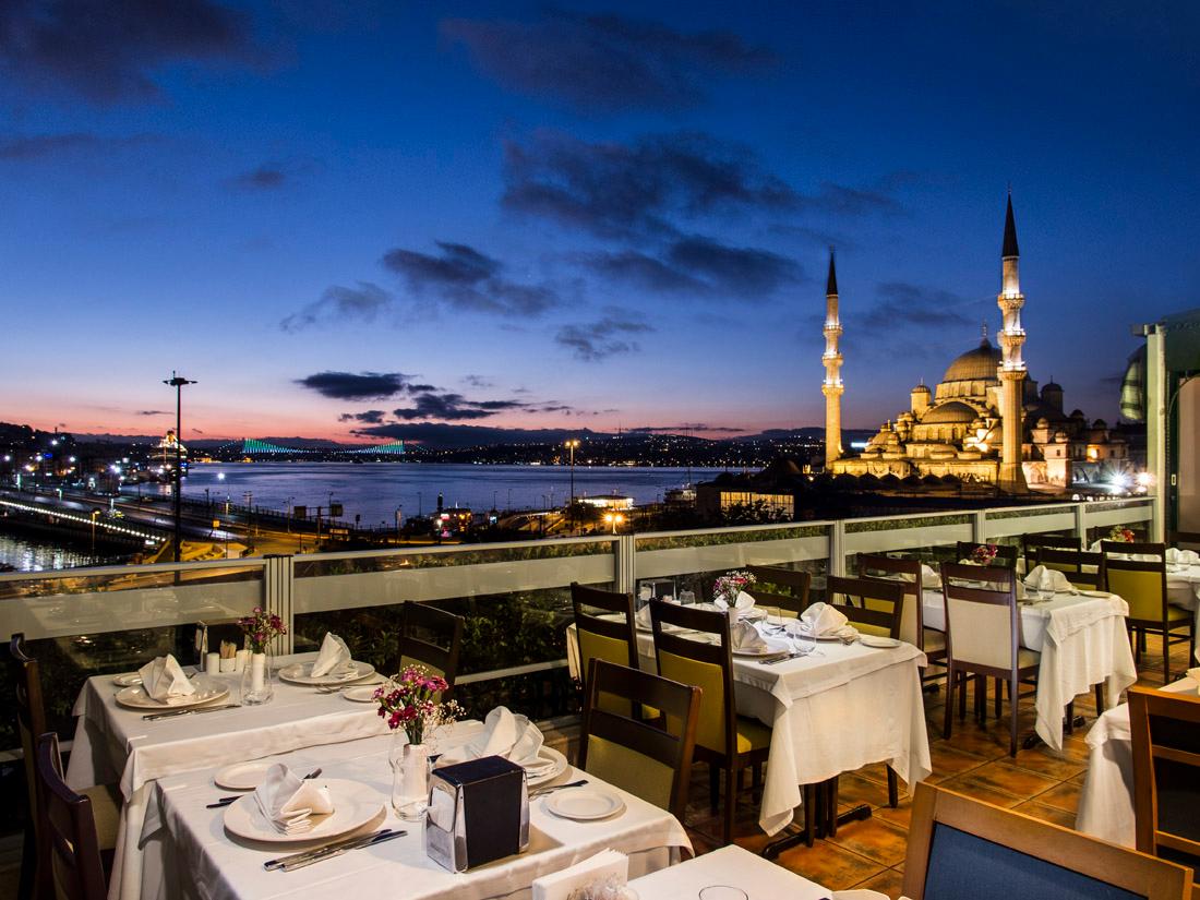 امينونو في اسطنبول من أروع المناطق السياحية